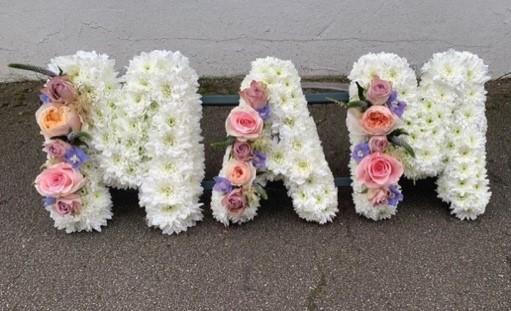 letter tribute chrysanthemum base for funeral
